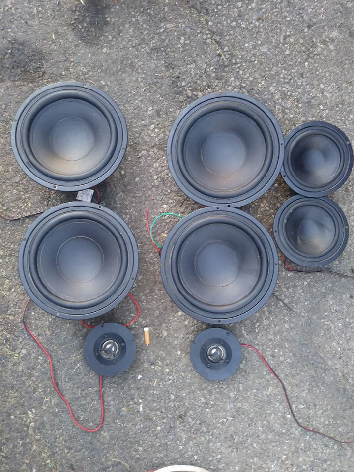 Used     Lot of Speakers