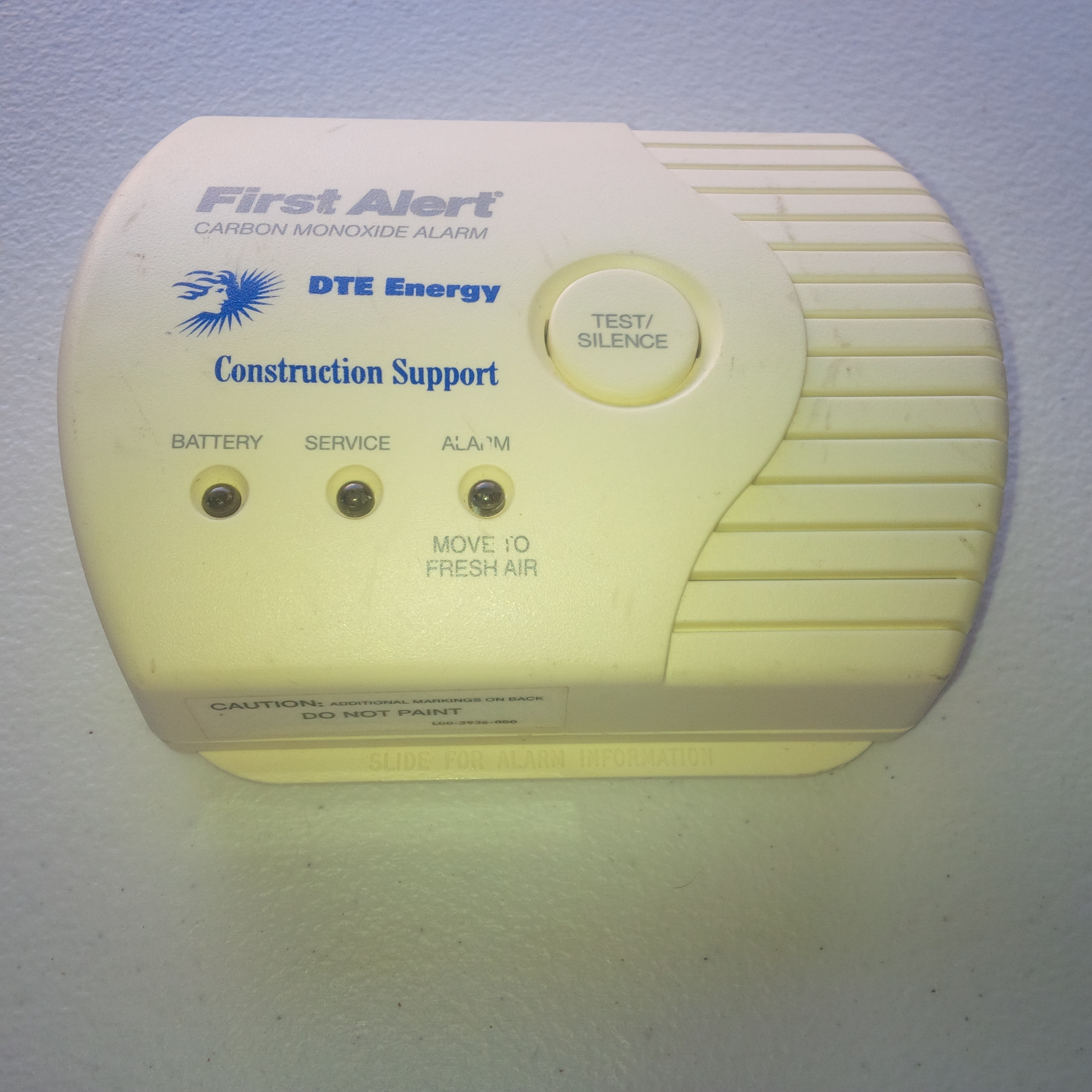 Used  2000 First Alert FCD3N Carbon Monoxide Alarm