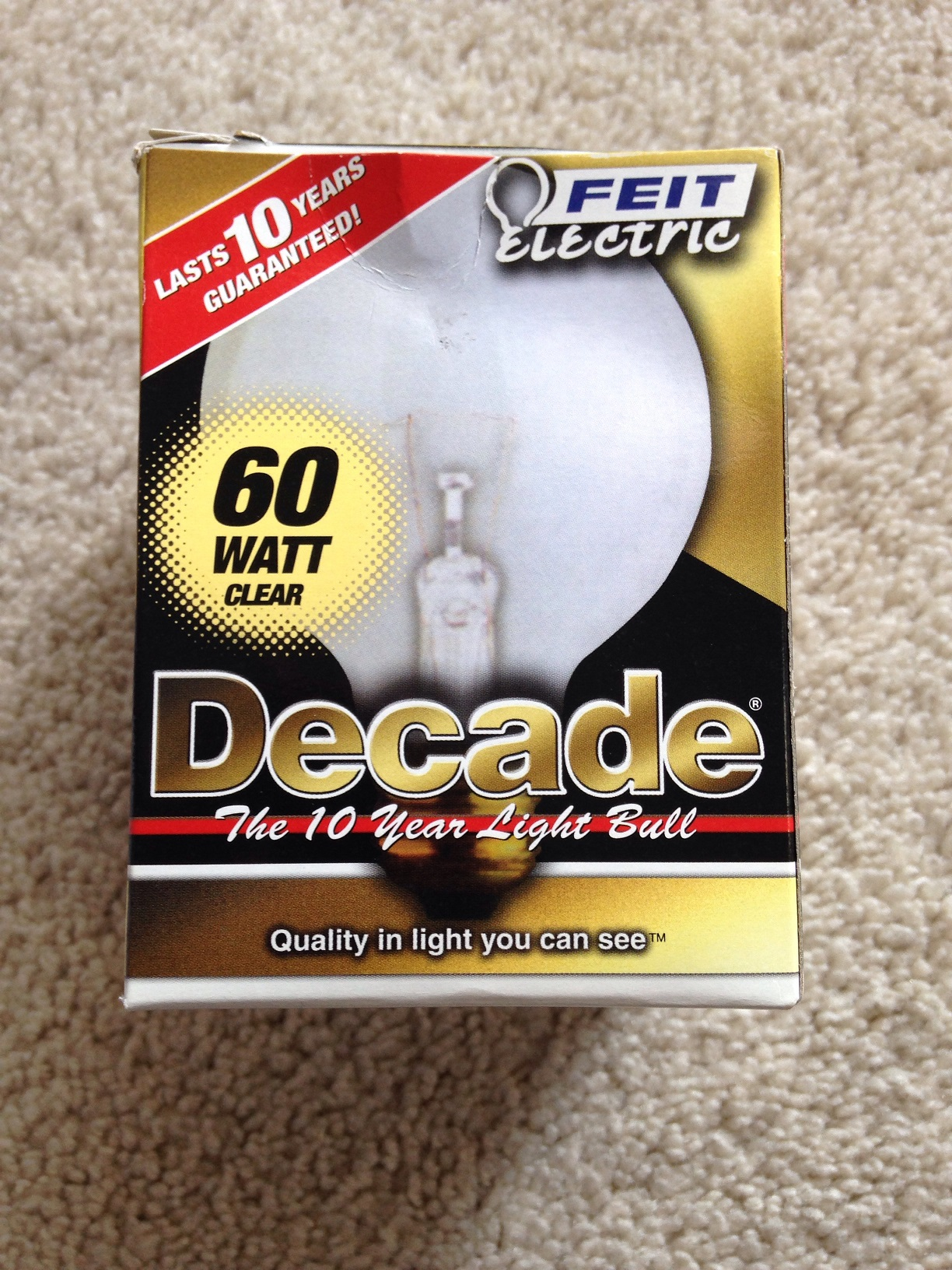Like New   Feit Electroc  60 Watt Clear Decade Light bulb