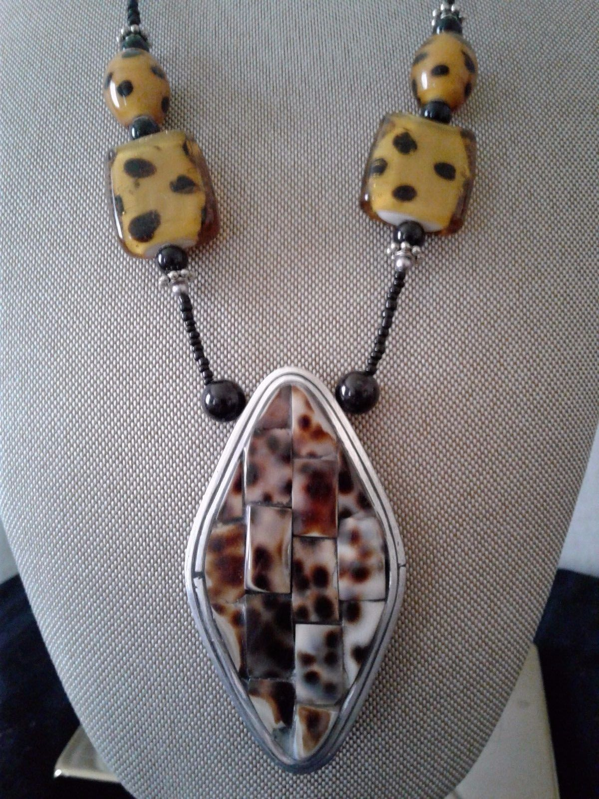 New Womens   Leopard Strong Pendant Necklace