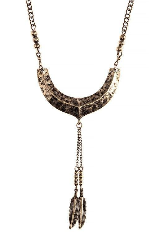 New Womens    Dimpled Crescent Feather Charm Necklace