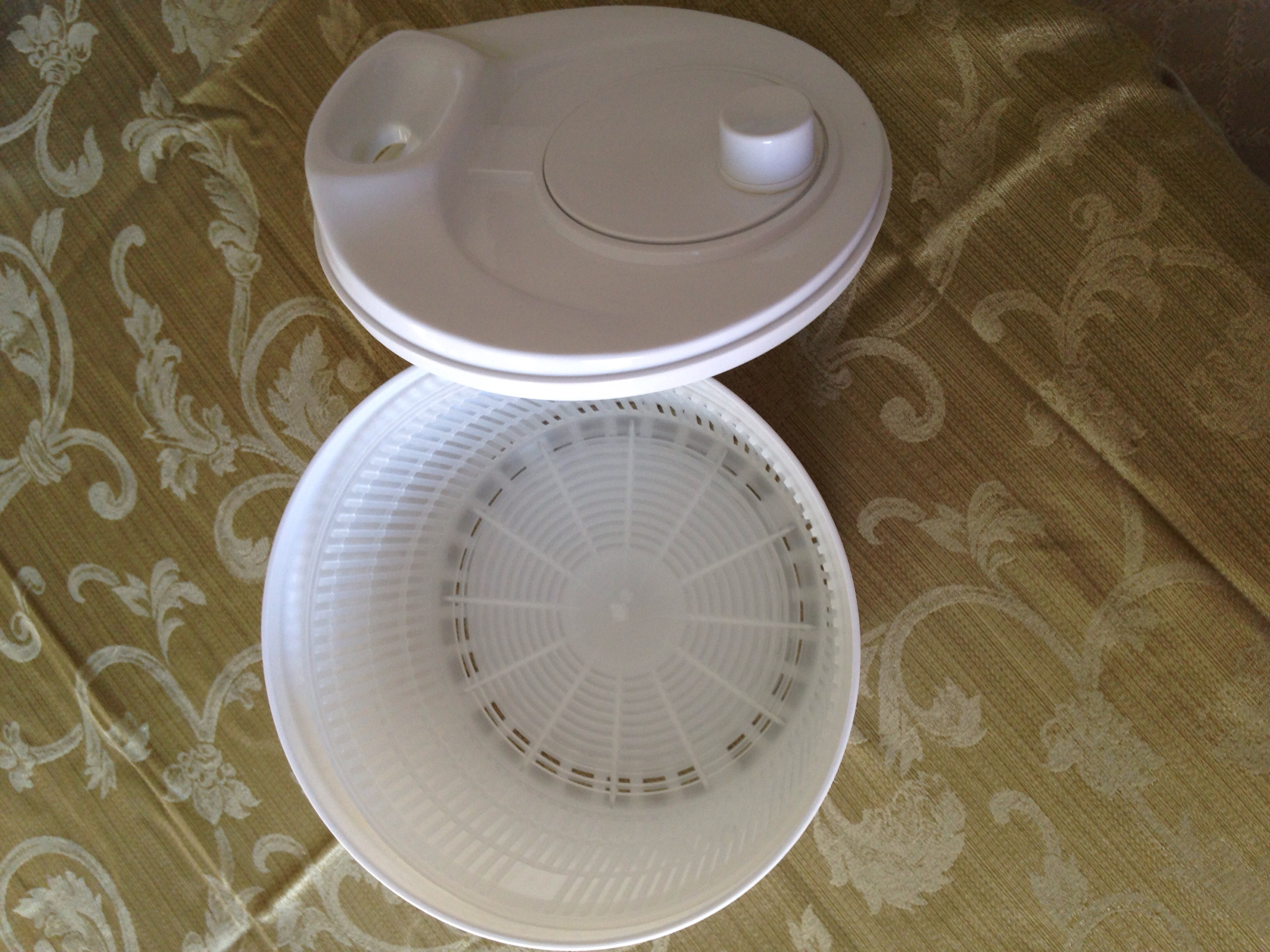 Used     Salad Spinner