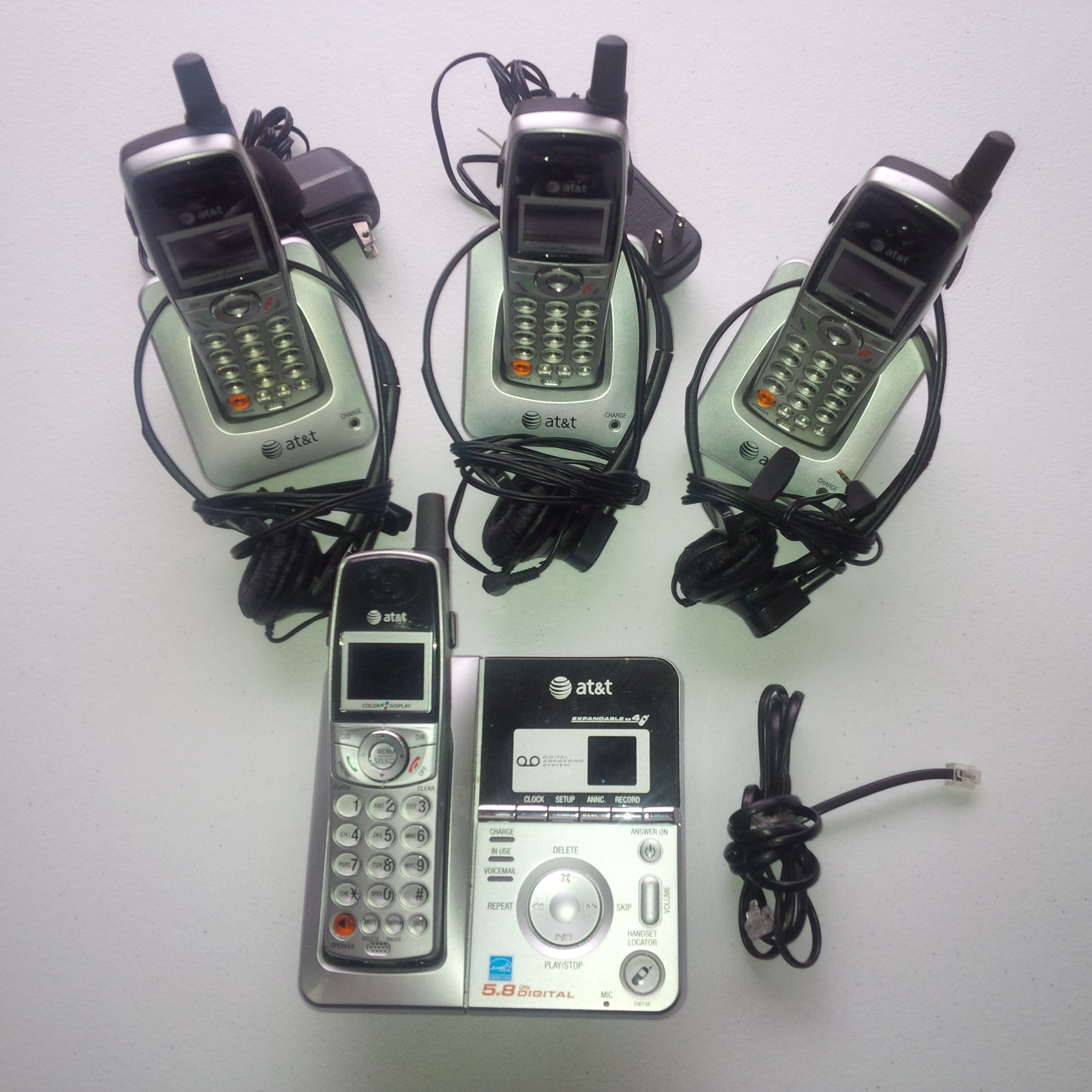 Used   AT&T E6014B 5.8GHz Cordless Phone and Digital Answ...
